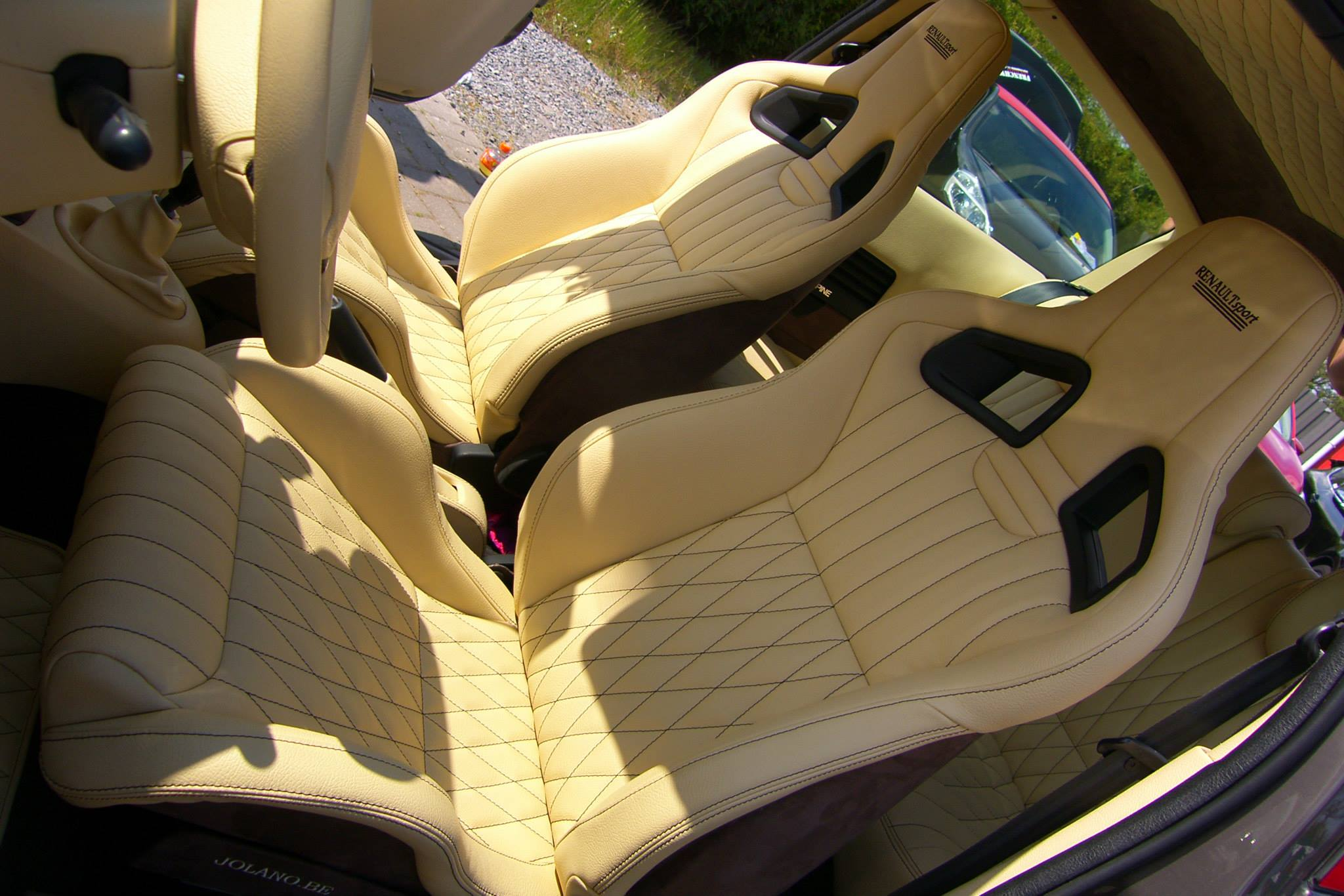 Custom zetels - R&R autobekleding